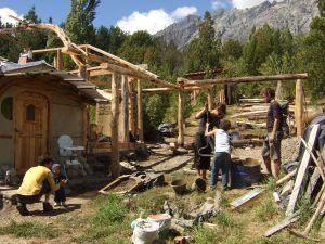 Bouw van ecologisch huis in Patagonië